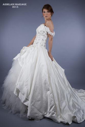 Robe de mariée couleur ivoire à Paris 11ème