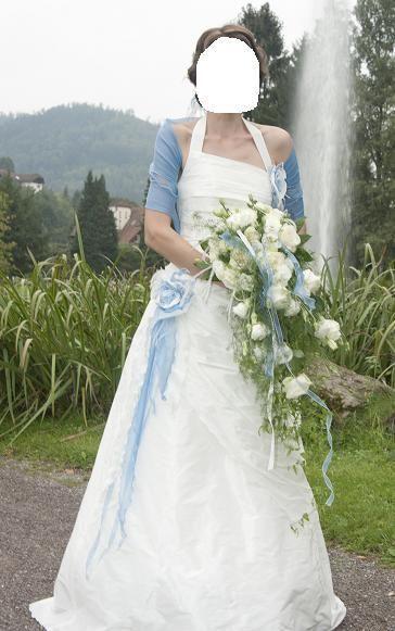Robe de mariée de créateur - fabrication française - blanc nacrée et bleu