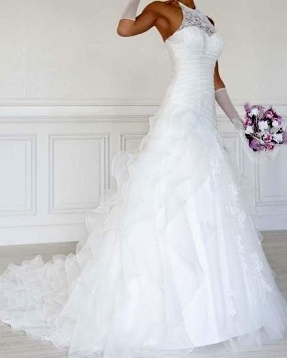 Robe de mariée neuve blanche avec jupon taille 40/42