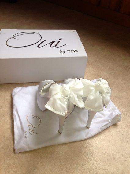 Chaussures de mariée neuves ivoire en satin