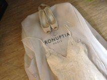 Robe et accessoires Pronuptia chanson d'amour model 2011