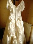 Robe de mariée Ivoire avec traîne, voile et gants en occasion