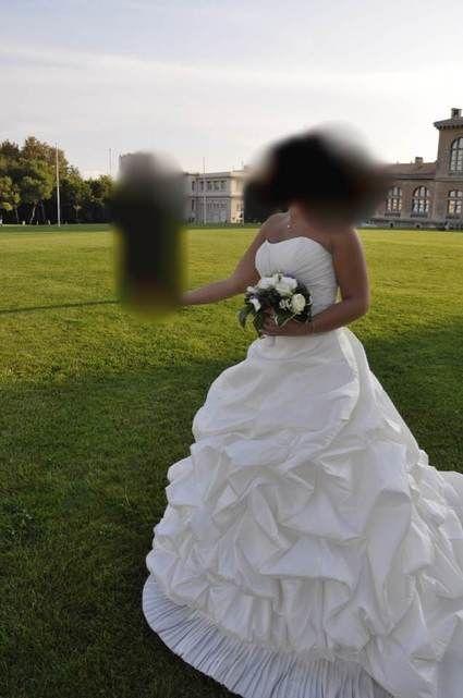Robe de Mariée d'occasion de marque Pronovias modèle FILADELFIA en blanc naturel