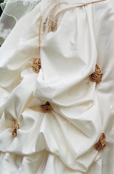 Robe de mariée bustier et traiïne en taffetas T40/42 pas cher