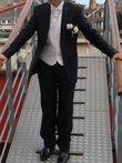 Costume de marié noir T38, gilet cravate chemise écrue - Occasion du Mariage