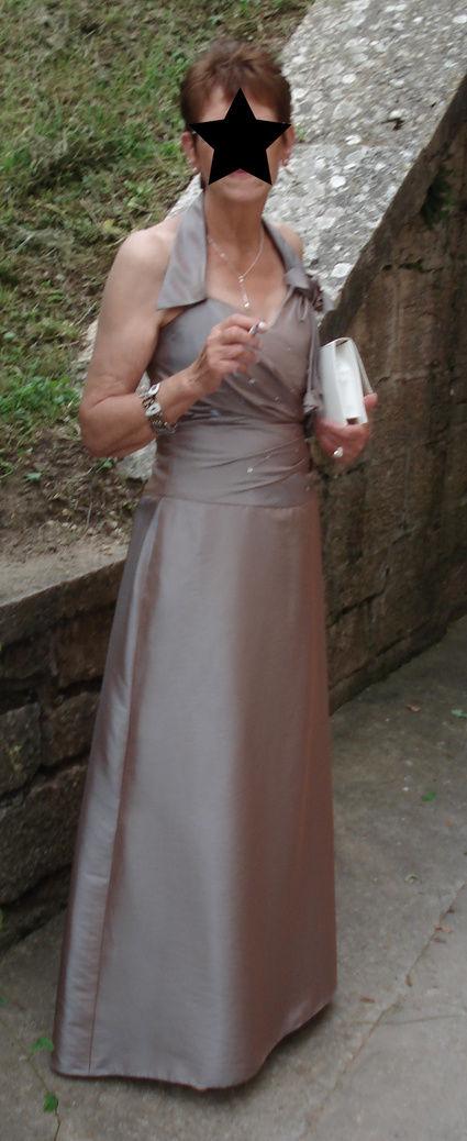 Robe de cocktail taupe irisé avec strass pas cher en 2012 - Occasion du Mariage