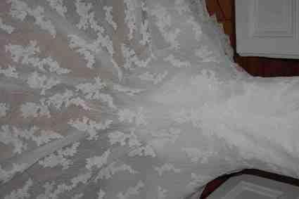 Robe de mariée Pronovias 34/36 neuve pas cher à Paris - Occasion du Mariage