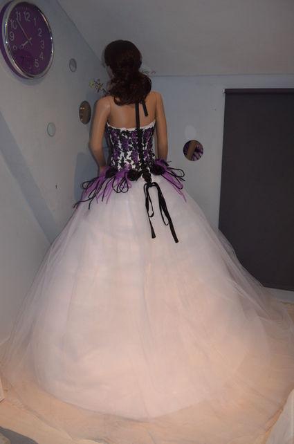 Robe de mariée pas cher en taffeta tulle et organza - Paris 2012  - Occasion du Mariage