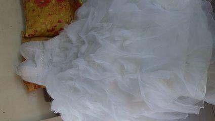 Vend robe de mariéed'occasion avec plume taille 44 d'occasion - Réunion
