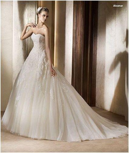 Robe de mariée Pronovias modèle Alcanar d'occasion taille 52