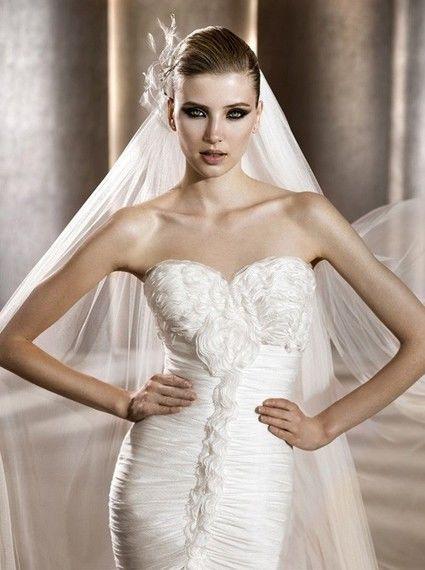 Robe de mariée de Luxe Modèle Bisel de la collection 2012 Pronovias
