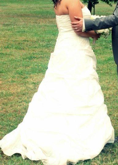 Robe de mariée de chez Carrière Mariage pas cher en 2013