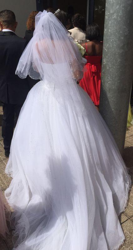 Robe de mariee blanc Demetrios collection 2018 - Réunion