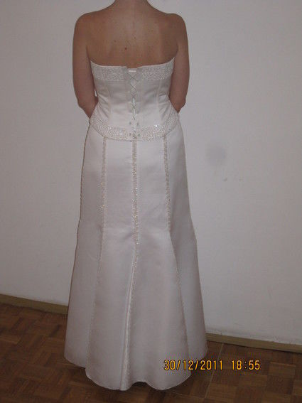 Robe de mariée originale modèle 2011 à Paris - Occasion du Mariage