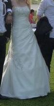 Robe de mariée bustier T38 ivoire d'occasion avec le jupon