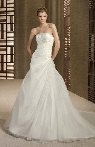 Robe de mariée organza collection 2012/2013 d'occasion T36/38