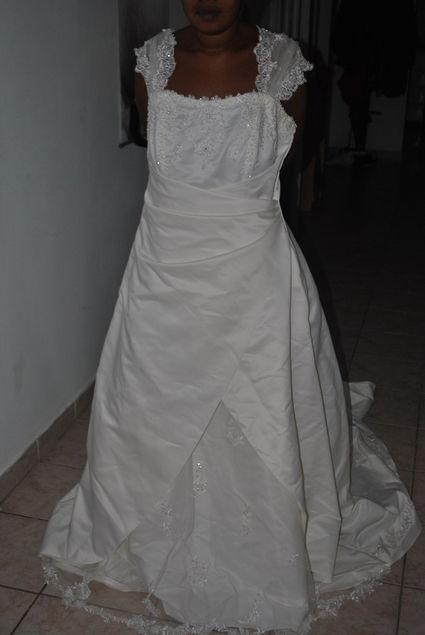 Robe de mariée ivoire grande taille neuve