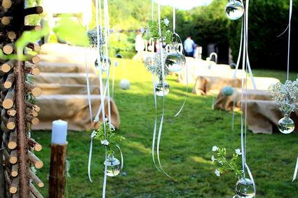 Mini vase boule à suspendre en déco de mariage  - Seine Maritime