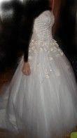 Magnifique Robe de mariée NEUVE sous carton avec jupon