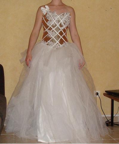 Robe de mariée faite sur mesure inspirée de la collection Max chaoul