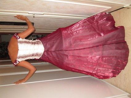 Robe de mariée rouge bordeau en deux pièces