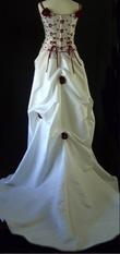 Robe de mariée pas cher avec bustier bordeaux d'occasion 2012 - Languedoc Roussillon - Hérault - Occasion du mariage