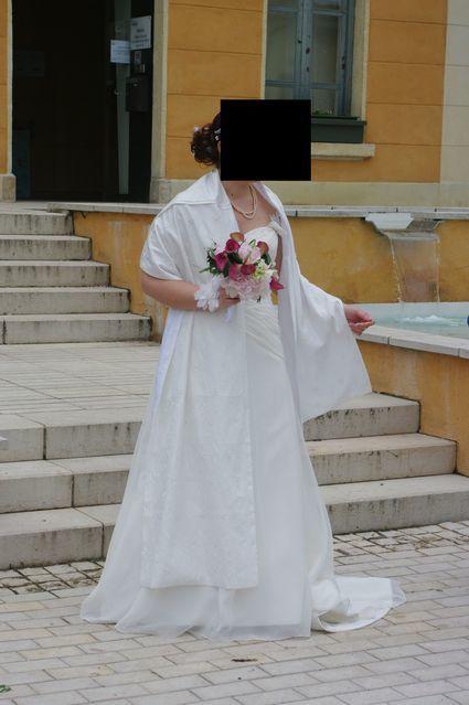 Robe de mariée T 42/44 à Villefranche-sur-Saône