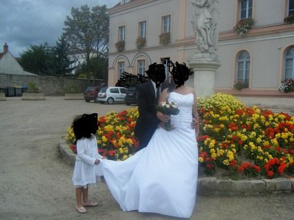 Robe de mariée blanche avec jupon et jupe pas cher - Occasion du Mariage