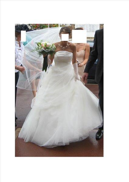 Robe de mariée T34/36 blanche Point Mariage d'occasion avec jupon
