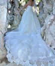 robe de mariée très LongueTRAINE - Occasion du Mariage