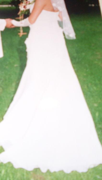 Robe de mariée pas cher + jupon 2012 - Occasion du mariage