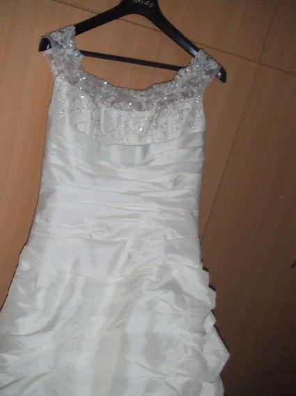 Sublime robe de mariée Tommy Mariage ivoire avec jupon, gants et chaussures