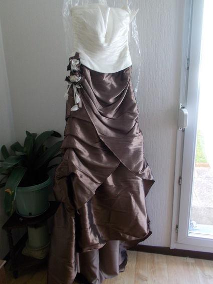 robe de mariée marron et écru neuve - Ardennes