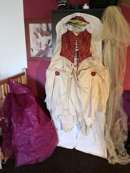 Robe de mariée bordeaux / ivoire - 38/40 - Vendée