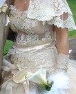 Robe de mariée couleur champagne en dentelle modèle unique