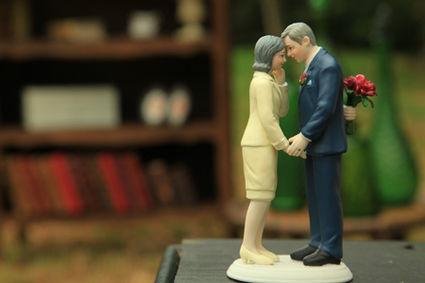 Figurine couple ancien en déco de table de mariage