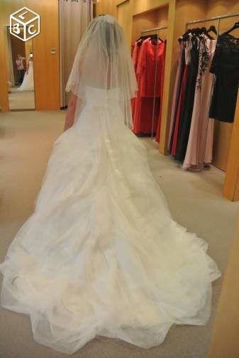 Robe de mariée PRONOVIAS modèle Leina - Isère