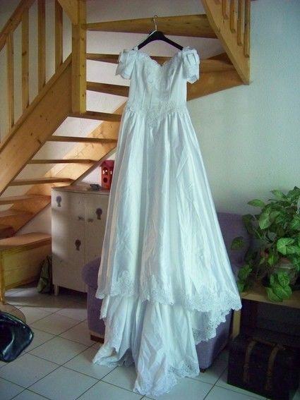 Ensemble robe mariee pas cher d'occasion 2012 - Aquitaine - Dordogne - Occasion du Mariage