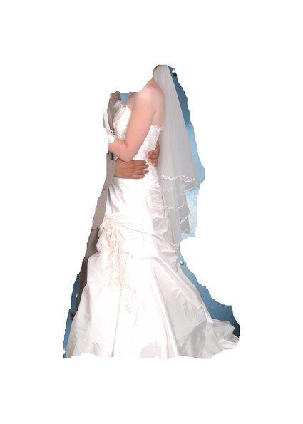 robe de mariée ivoire avec mitaines pas cher d'occasion 2012 - Provence Alpes Côte d'azur - Bouches du Rhône - Occasion du Mariage