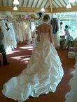 Robe de mariée Cosmobella avec jupon à cerceau, voile et étole pas cher en 2013