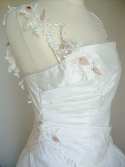 Robe de mariée neuve et pas cher 2012 - Occasion du Mariage