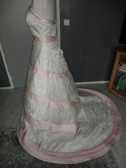 Robe de mariée neuve pas cher broderies luxueuses ivoire - Occasion du mariage