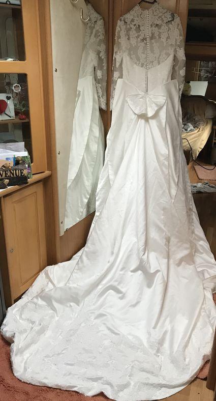 Robe de marié neuve  - Pyrénées (Hautes)