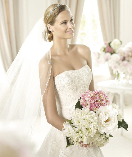 Location robes de mariée de grandes marques Pronovias, Demetrios, Miss Kelly, La sposa