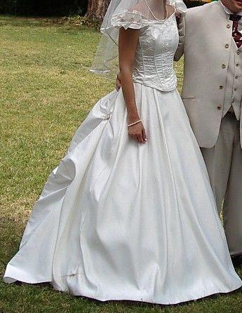 Jupe de mariée d'occasion + bustier de mariée pas cher 2012 - Occasion du mariage