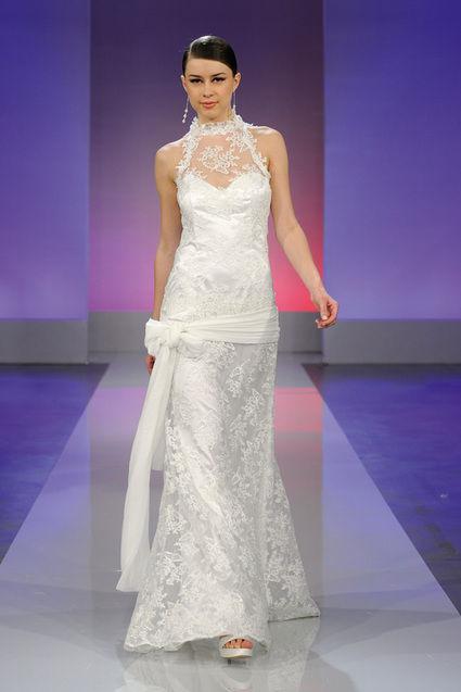 Robe de mariée Cymbeline en soie et dentelle française d'occasion