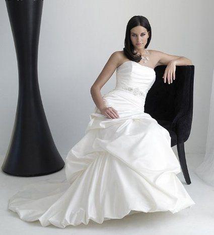 Robe de mariée complicité originale pas cher 2012 - Occasion du mariage