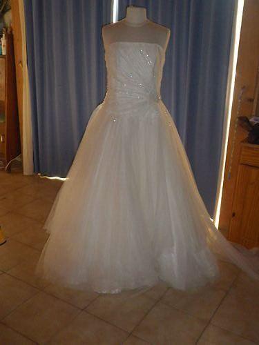 Robe de mariée Princesse pas cher 2012 - Occasion du Mariage