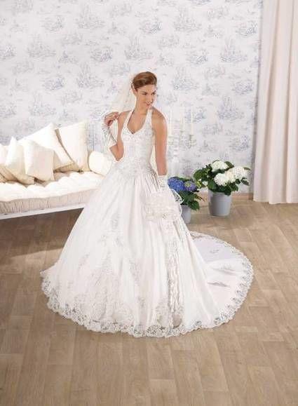 Sublime robe de mariée blanche avec tous les accessoires d'occasion