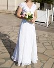 Robe de mariée en dentelle pièce unique en strass swarovski